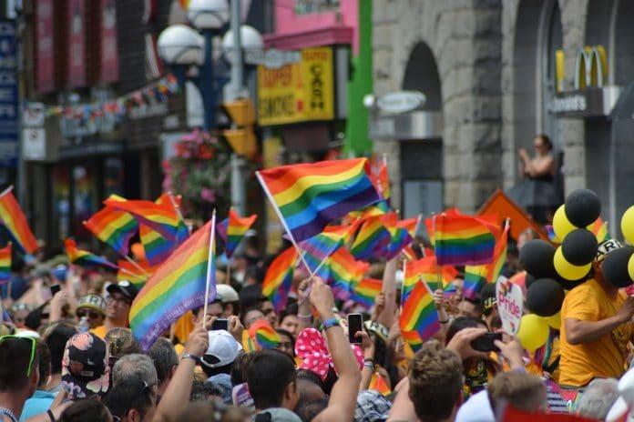 Gay-Pride-696x464