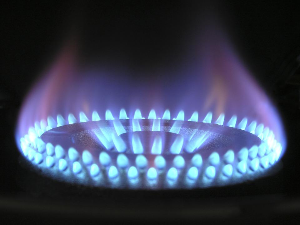 flame-580342_960_720
